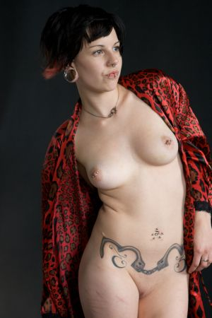 boudoir-nude-naked-women-robe-photo-by-daniel-szajkowski-hamilton-toronto.jpg