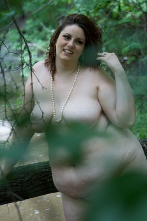 boudoir-outside-river-nude-naked-women-robe-photo-by-daniel-szajkowski-hamilton-toronto.jpg